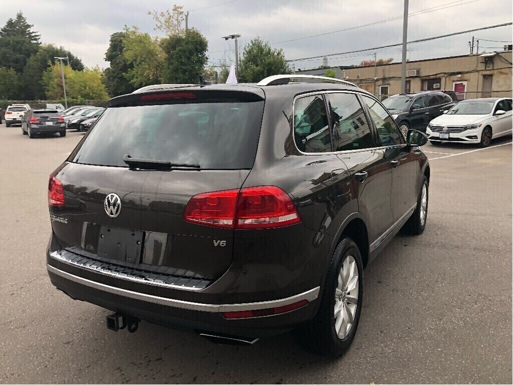 Certified Pre-Owned 2015 Volkswagen Touareg 3.6L Sportline/Outdoors Pkg/CPO