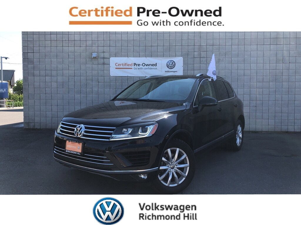 Certified Pre-Owned 2015 Volkswagen Touareg 3.6L Sportline with Tow Hitch and Sunroof/CPO