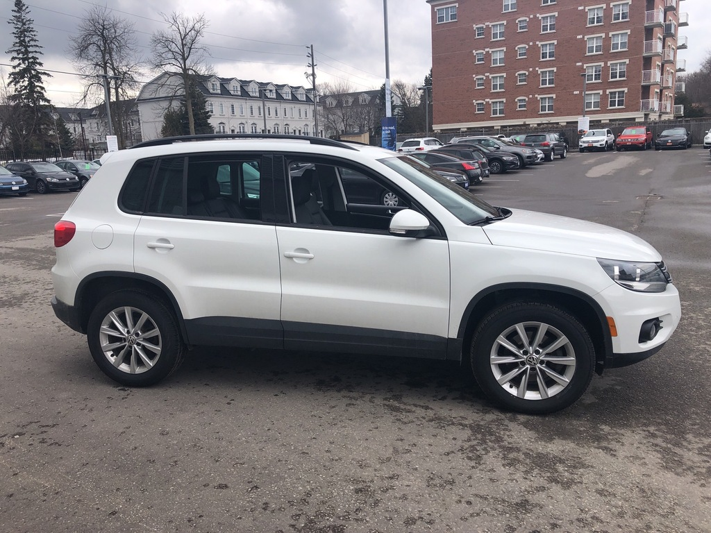 Certified Pre-Owned 2015 Volkswagen Tiguan AWD Comfortline/Extremely Low Km's/New Tires/CPO