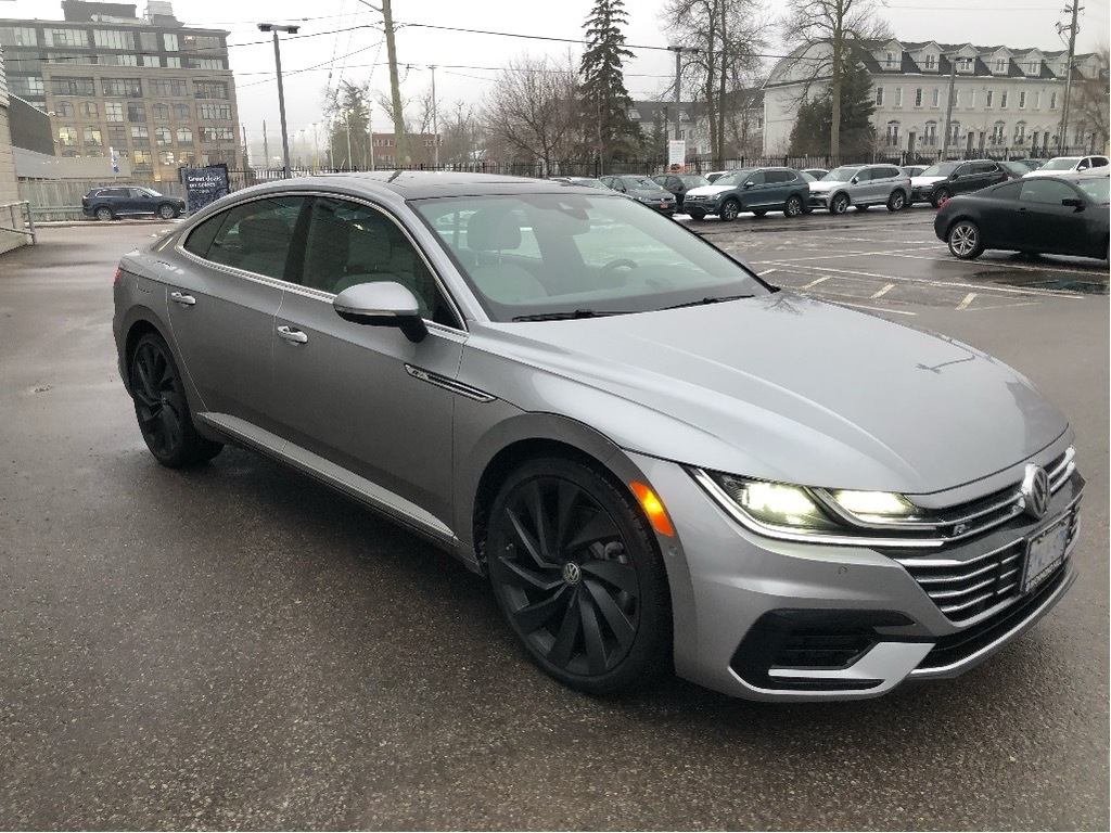 Pre-Owned 2019 Volkswagen Arteon Auto/R-Line Pkg/Driver Assist Pkg/New Car Programs